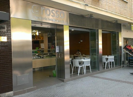 Fachada abierta fotograf a de rosso cafeteria confiteria for Fachadas de locales de comida rapida