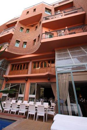 Hotel le Caspien: Rear of Hotel