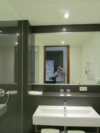badkamer - Foto van Mercure Hotel Amersfoort Centre, Amersfoort ...