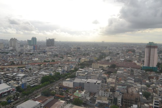 BEST WESTERN Mangga Dua Hotel and Residence: View from the balcony
