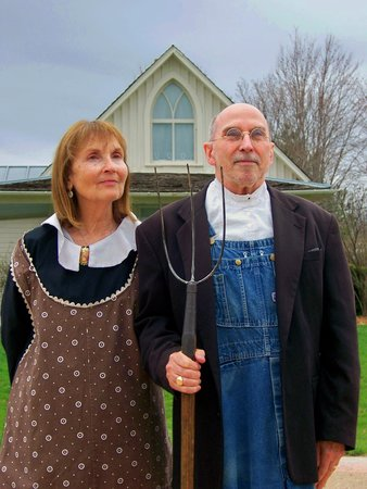 Grant Wood Tourism Center and Gallery: McCormick American Gothic