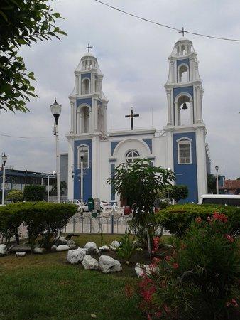 Comalcalco : iglesia