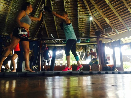 Zendo Fitness Cabarete: AM Kickboxing Class
