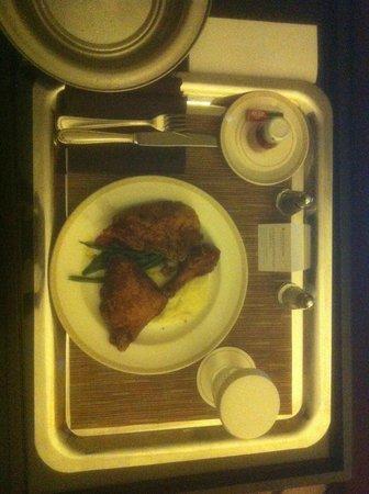 InterContinental Buckhead Atlanta: In-room Dining: Southern Fried Chicken