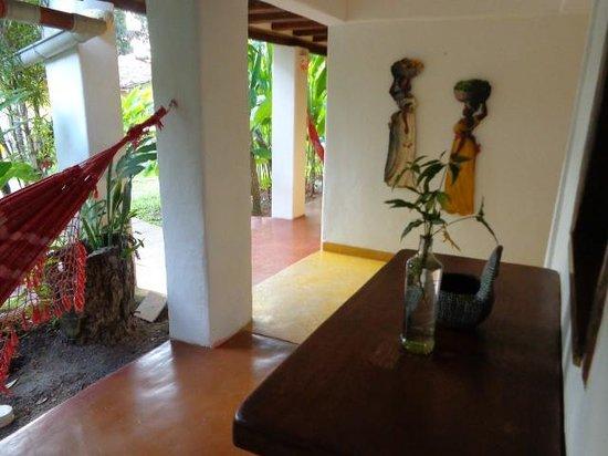 Pousada Jardim das Margaridas : Vista do quarto em frente ao jardim e cafe da manha