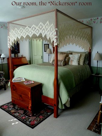 Mulberry Tree Inn: The bed