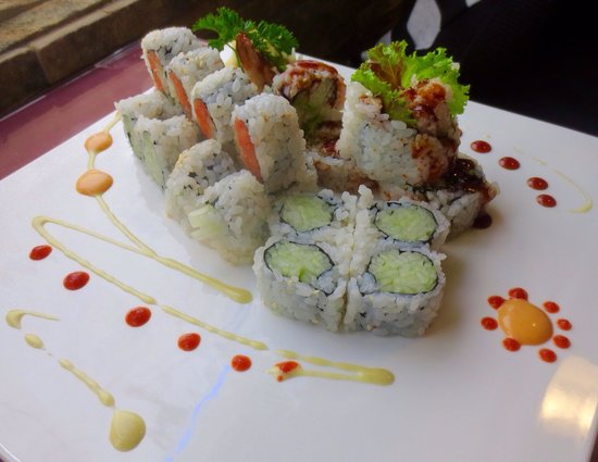Koto Japanese Steakhouse: Maki lunch special