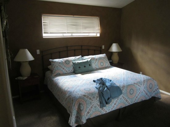 Red Rock Inn Bed and Breakfast Cottages : Just a terrific place