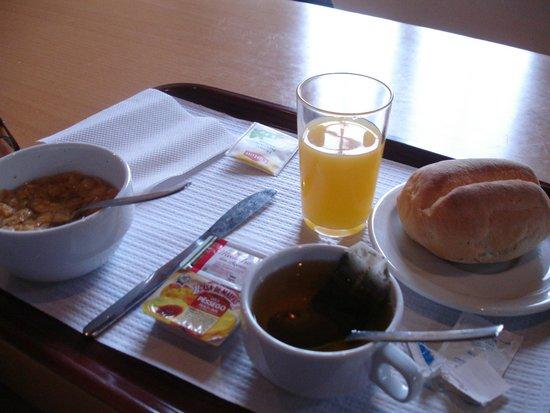 Pousada de Juventude: завтрак (можно было брать еще)
