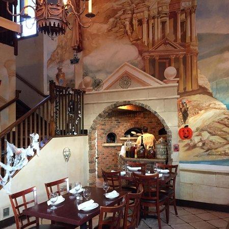sahara restaurant: Brick oven magic for the BEST piping hot pitas!