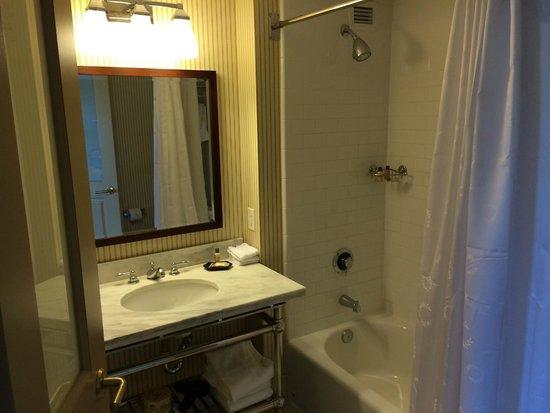 Sheraton Houston West: Bathroom