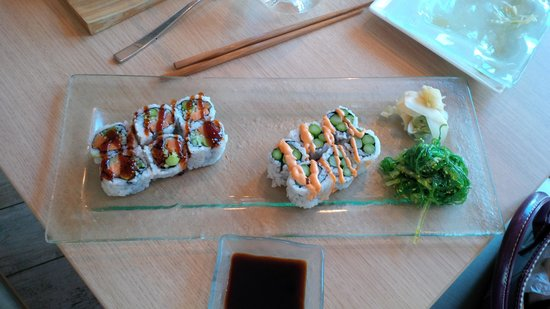 M Grille: spicy asparagus roll and veggie roll