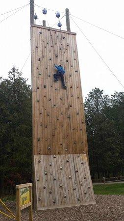 NEW Zoo & Adventure Park: Climbing Wall