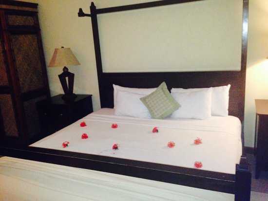 Calabash Cove Resort and Spa: Waters Edge Cottage