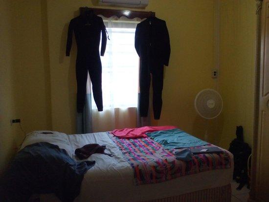 Western Guest House: La habitación