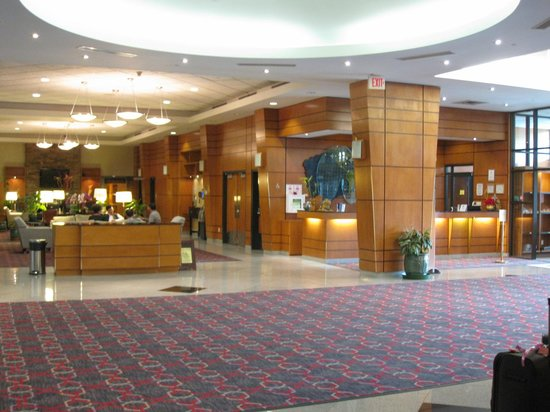 Four Points by Sheraton Vancouver Airport: Hotel lobby