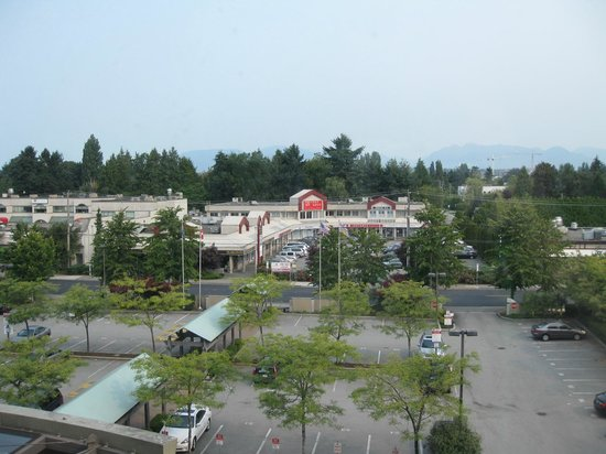 Four Points by Sheraton Vancouver Airport: View from my room