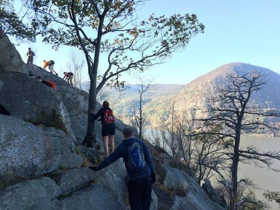 Hudson Highlands State Park: Breakneck Ridge - Sunset Point - Sugar Loaf