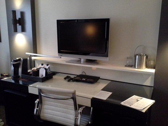 Hotel Renew: City View King Room
