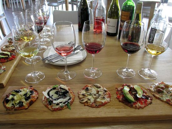Mulderbosch Vineyards : Pizza and wine pairing
