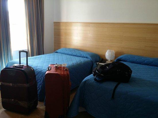 James Hotel: .