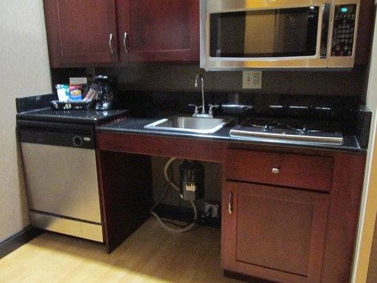 Homewood Suites by Hilton Indianapolis-Downtown: kitchen we didn't use
