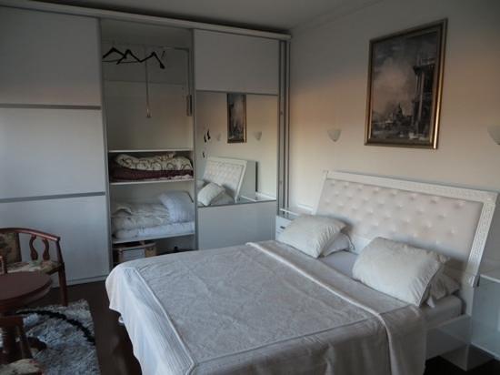 Hotel AFA Residence : King bed