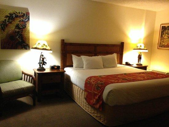 picture of luana waikiki hotel suites honolulu. Black Bedroom Furniture Sets. Home Design Ideas