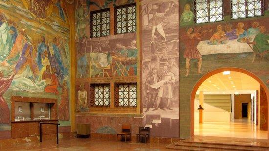 Grosses Festspielhaus: Frescoes in the foyer