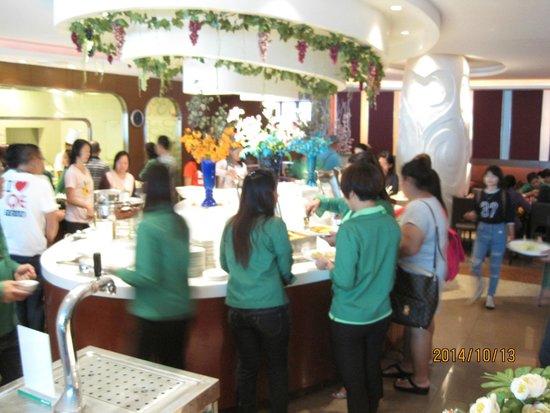 Hip Bangkok: Buffet for breakfast