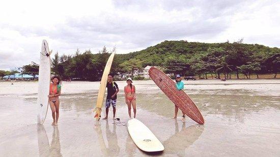 Mae Ram Phueng Beach : We all had a great time surfing mae ramphung beach.