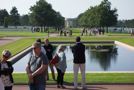 D Day Landing Tours : The American Cemetery with Eric Turnbull