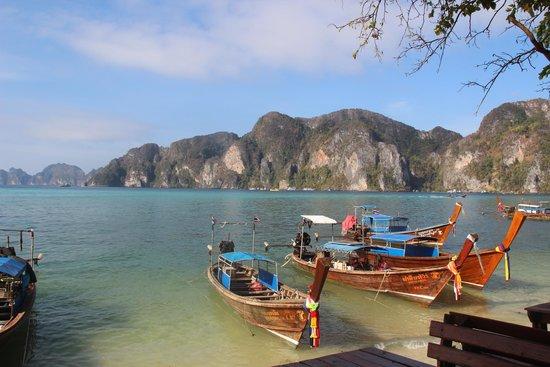Phi Phi Villa Resort: Beach area