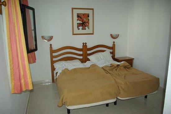 La camera da letto (studio primo piano) - Picture of Bahia Calma ...