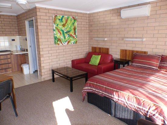 Streaky Bay Motel & Villas: Guest Room