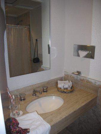 Hotel PF : el bañito con mi desorden