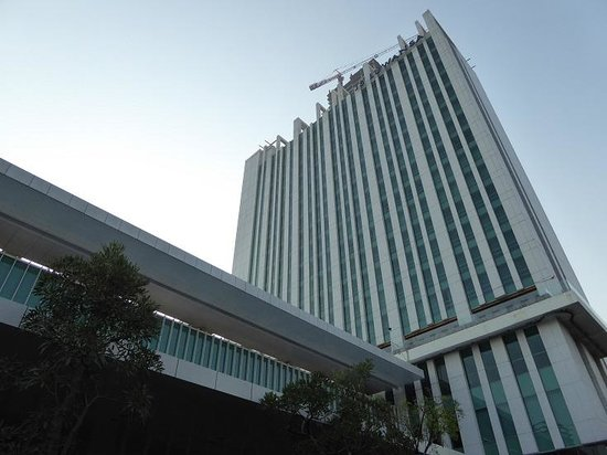 JS Luwansa Hotel and Convention Center : 外観