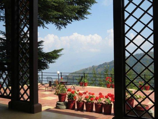 Deodar Manor Heritage Bungalow: Lovely open terrace