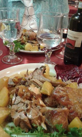 Tempio di Mecenate: Yummy roasted lamb dish!