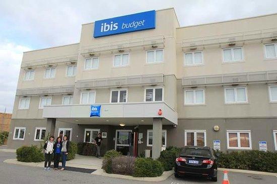 Ibis Budget Perth Airport: Facade