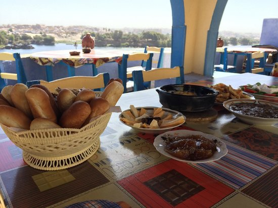 Ounaty Ka : Breakfast--more dishes came after the photo!