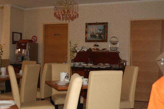 Hotel Altmann: Diningroom
