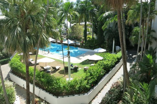 view from the heated pools picture of alamanda palm cove. Black Bedroom Furniture Sets. Home Design Ideas