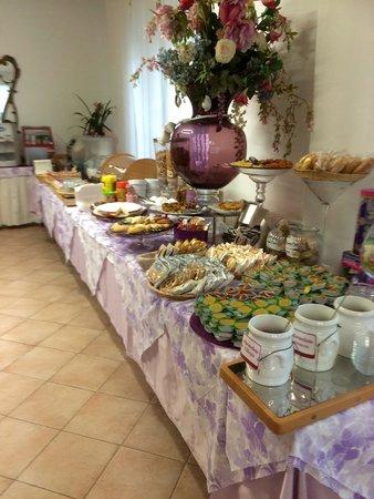 Hotel Julia: Questa è la colazione a buffet