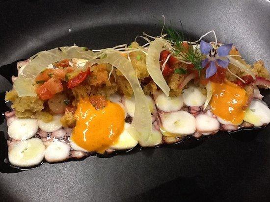 Muralto, Schweiz: Carpaccio di polpo, insalatina di pane, n'duja e finocchi