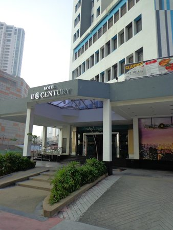 11@Century Hotel : Tampak depan