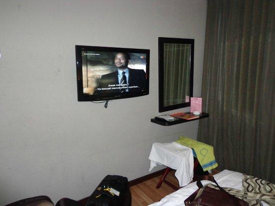 11@Century Hotel: TV