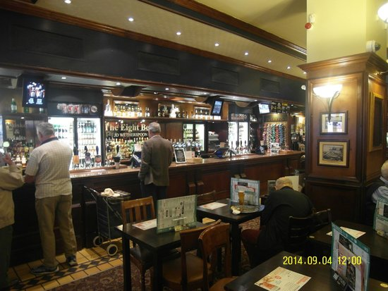 The Eight Bells: Pub Eight Bells in Dover