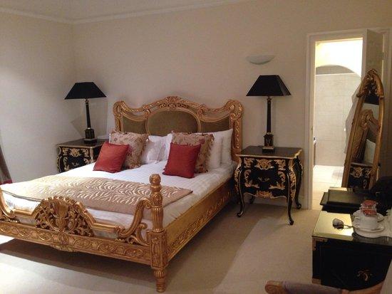 The Walton Hotel: Apartment Room