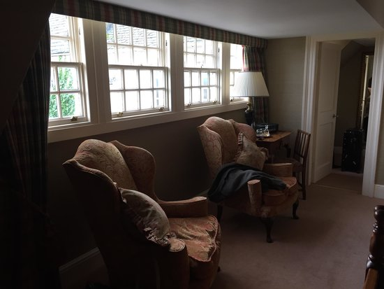 The Glenmorangie House: Another part of the bedroom which was huge